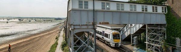 Chalkwell train